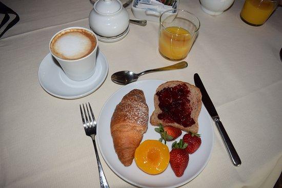 Villa Cicolina: breakfast!