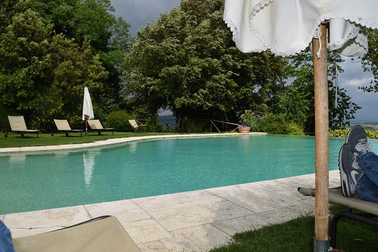 Villa Cicolina: the pool