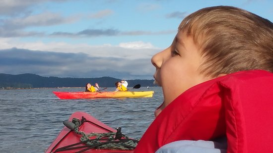 Brinnon, WA: Kids get hungry while kayaking so pack a snack or this may happen to you!