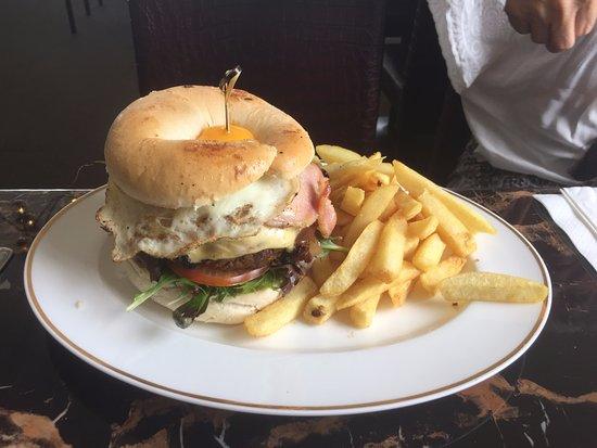 Monbulk, Australia: Burger in a Bagel