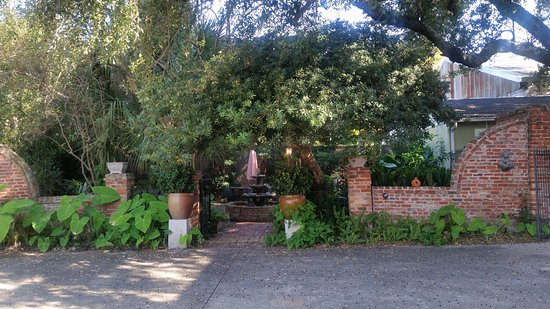 The New Orleans Jazz Quarters: The view when you walk thru the gate. The grounds were very attractive,