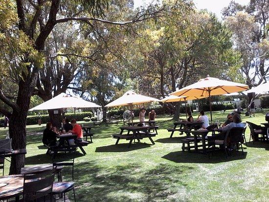 Havelock North, Nueva Zelanda: Garden dining area