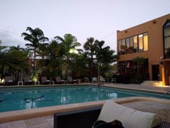 Regency Hotel Miami: The pool area.