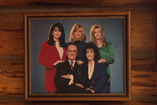Barbara Mandrell, sisters and parents - Picture of Fontanel Mansion ...