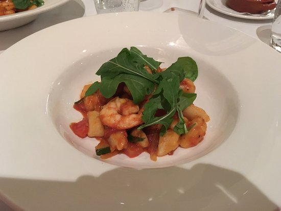 Maurizio Restaurant: Gnocchi with shrimps and tomato sauce
