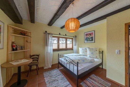 Schlafzimmer Ferienwohnung - Bild von Alte Schreinerei, Gottmadingen ...