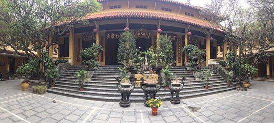 Ambassador's Pagoda (Chua Quan Su) : photo3.jpg