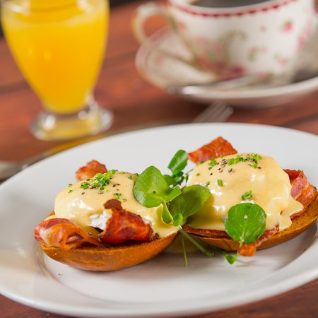 Little Hallingbury, UK: Breakfast from £4.50 per head