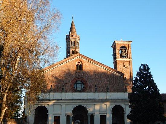 齐亚拉瓦莱修道院