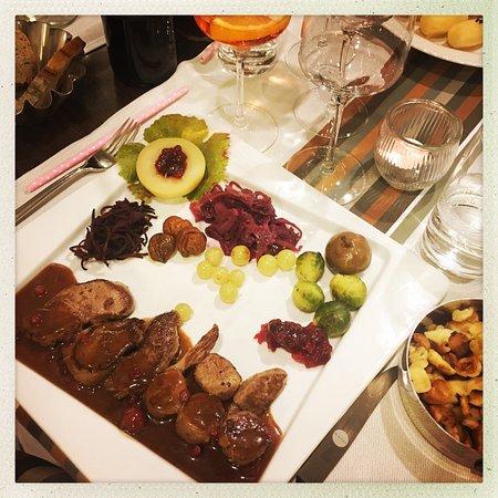 Grandvaux, สวิตเซอร์แลนด์: Du chevreuil délicieux, tendre et une garniture variée le tout très bien cuisiné