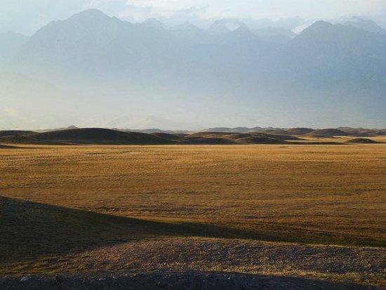 Alay Valley: Talgrund, Moränen Landschaft, Transalay