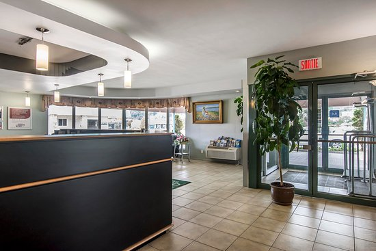 Syracuse, NE: Hotel entrance