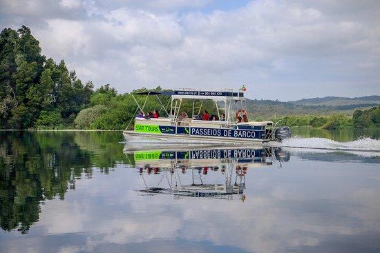 Vila Nova de Cerveira, Portugal: Relaxing boat tour through the estuary and islands of the Minho river. Enjoy the quite and beaut