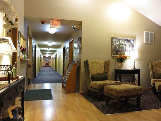 Alpine Inn: the lobby