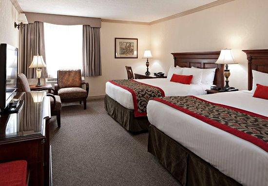 Delta Banff Royal Canadian Lodge: Queen/Queen Guest Room