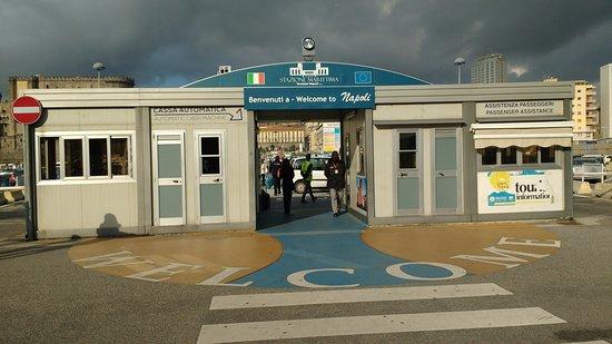 Stazione marittima di Napoli di Cesare Bazzani - architettura di regime