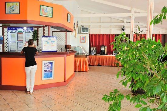 Karibea Camelia Residence : Réception de l'hôtel