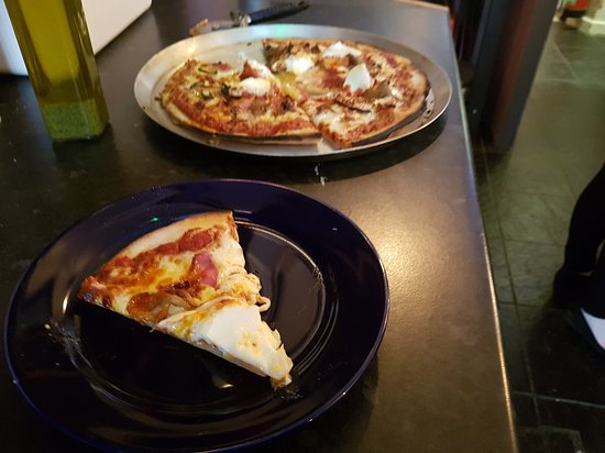Real Deal Pizza At A Great Price Pizza At No 25