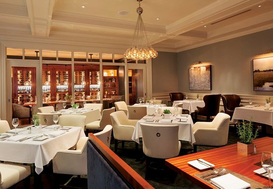 New Castle, NH: SALT Kitchen & Bar - Dining Area