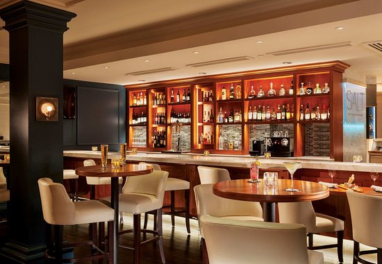 New Castle, NH: SALT Kitchen & Bar – Lounge & Bar Areas