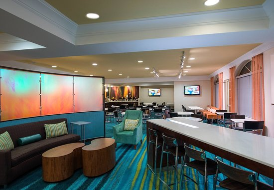SpringHill Suites Williamsburg: Lobby Seating Area