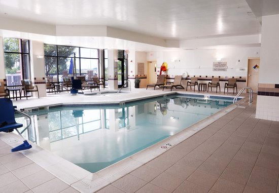 SpringHill Suites Dulles Airport: Indoor Pool