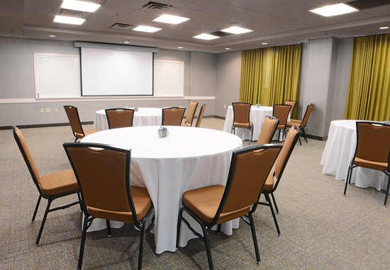 SpringHill Suites Dulles Airport: Ballroom