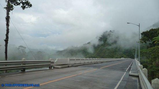 Die Agas-Agas Brücke gesehen von Sogod kommend.