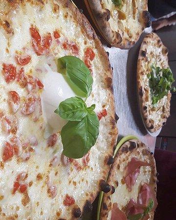 Bettolle, Italien: A tutta pizzaaaaaa 🍕