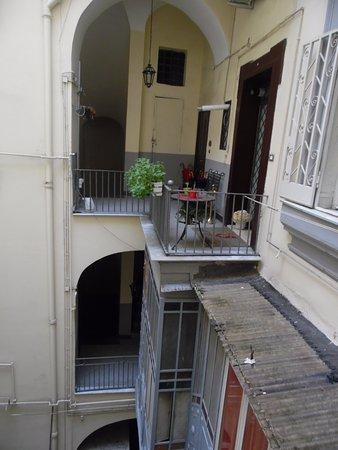 Bed and Breakfast Napoli I Visconti: ingresso zona moderna