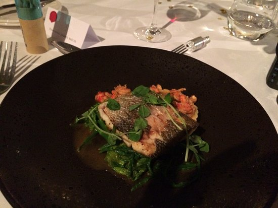 Two Bridges, UK: Seabass main