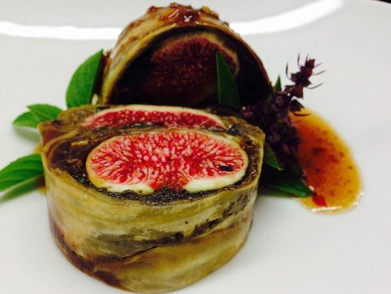 Cuers, Frankrike: Pressée de figues de Solliès-Pont, aubergines confites et basilic thaï