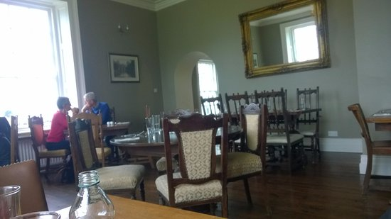 Limavady, UK: Relaxed, spacious dining is a real pleasure.