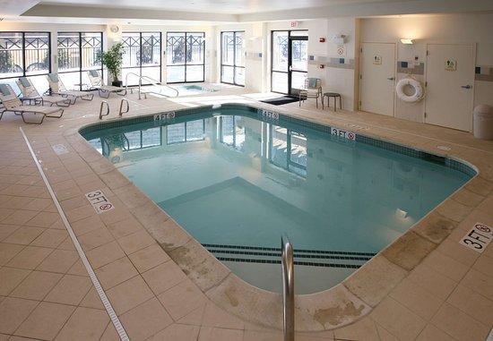 كورت يارد ماريوت هانوفر لبنان: Indoor Pool & Whirlpool Spa