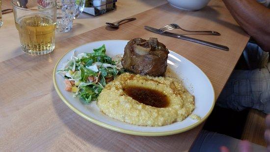 Lauenen, สวิตเซอร์แลนด์: Abendessen