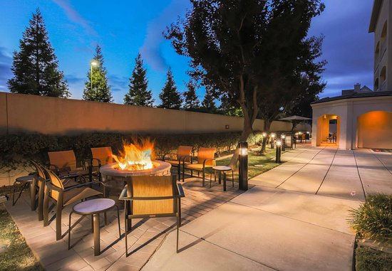 Morgan Hill, CA: Fire Pit