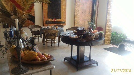 Pousada vivenda das Bromelias: Lounge com café da manhã