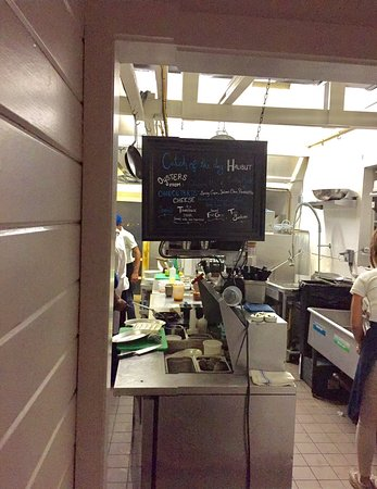 Vineyard Haven, ماساتشوستس: A glimpse into Executive Chef Robert Sisca's kitchen.