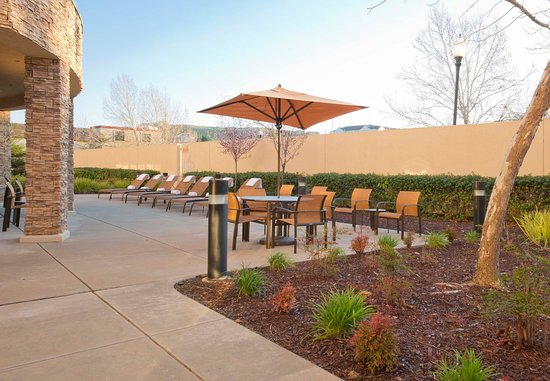 Courtyard Sacramento Folsom: Courtyard - Outdoor Area