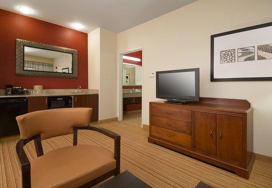 Folsom, CA: Executive King Suite - Living Area