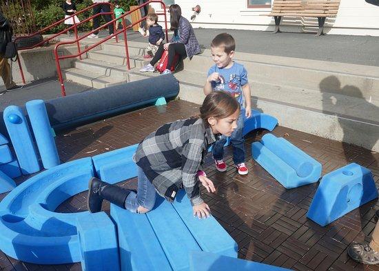 Bay Area Discovery Museum : Fun large foam blocks