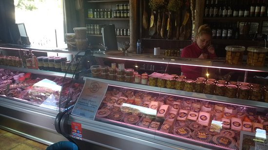 El Bosque, Spain: good selection of products