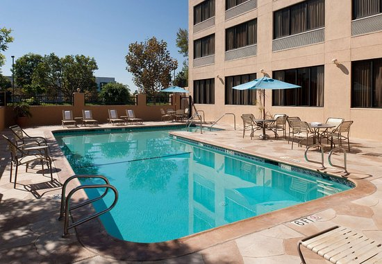 Cypress, Kalifornia: Outdoor Pool