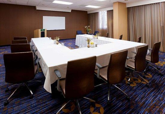 Сайпресс, Калифорния: Meeting Room