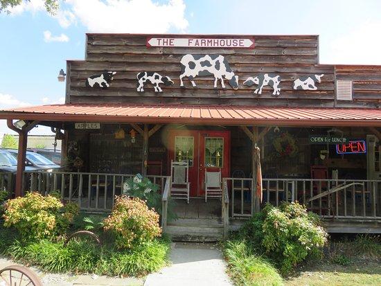 Etowah, TN: Exterior - The Farmhouse Restaurant