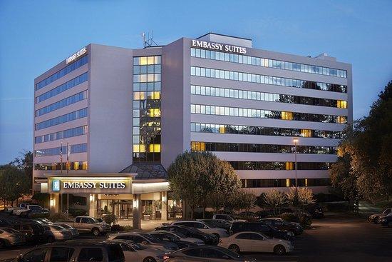Embassy Suites by Hilton Atlanta - Galleria : Exterior