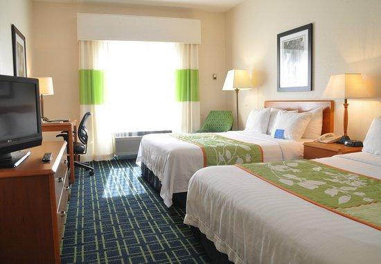 Christiansburg, VA: Queen/Queen Guest Room
