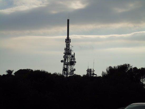 Fort du Mont Alban: antenne télévision