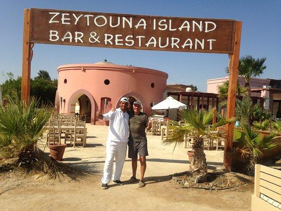 Hotel Sultan Bey Resort: beach supervisor Mahmoud