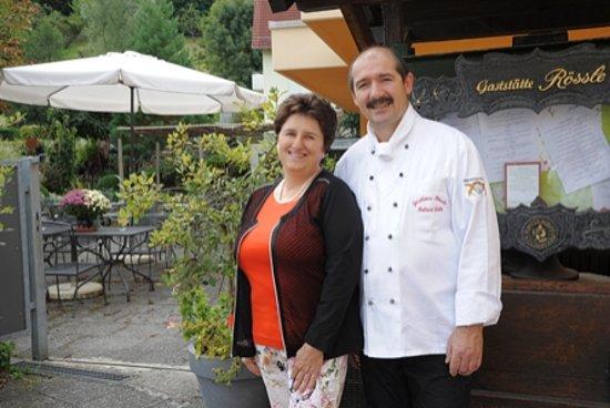 Weinstadt, Tyskland: Die Chefin und der Küchenmeister ( ihr Ehemann)